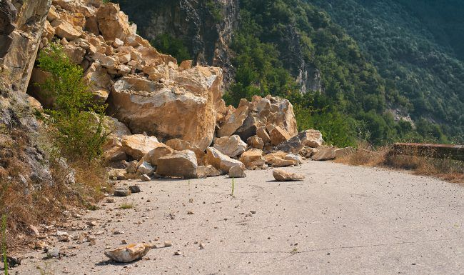Glissements de terrain - alerte à la population